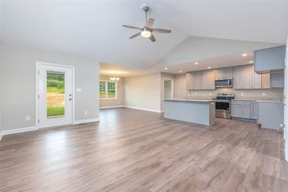 Residential Property for sale in 149 LAKE VIEW CIR, Waynesboro, VA, 22980