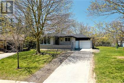 Single Family for sale in 208 GLENGROVE Place, Waterloo, Ontario, N2L4W2