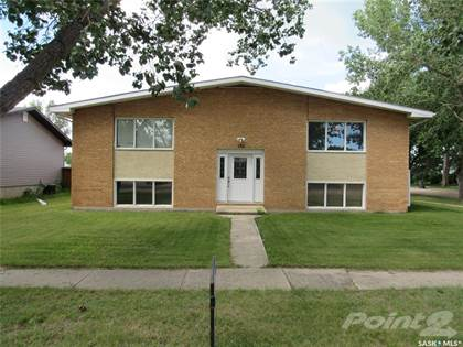 Multifamily for sale in 102 Jubilee CRESCENT, Rosetown, Saskatchewan, S0L 2V0