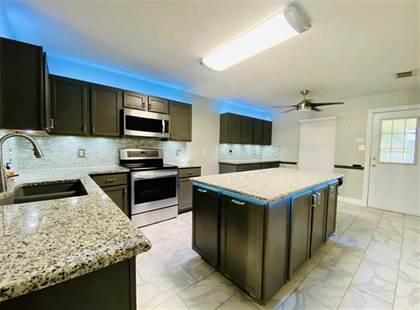 Residential Property for sale in 910 Anvil Creek Drive, Arlington, TX, 76001