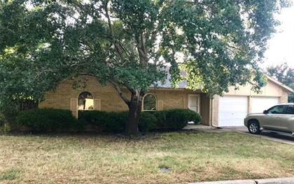 Residential for sale in 2218 Park Springs Court, Arlington, TX, 76013