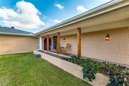 Residential Property for sale in 8 Country Club Court, Arlington, TX, 76013