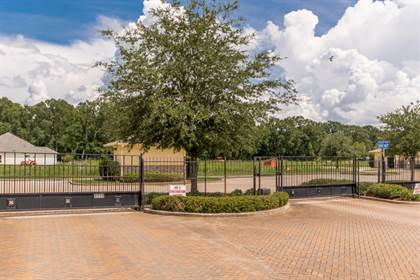 Residential for sale in 8148 Village Lake Ave, Baton Rouge, LA, 70820