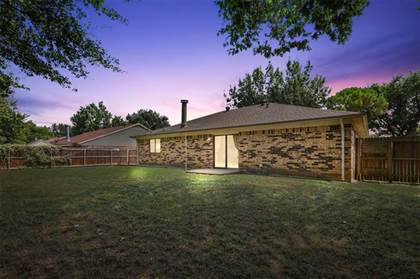 Residential for sale in 4309 Middlebrook Drive, Arlington, TX, 76016
