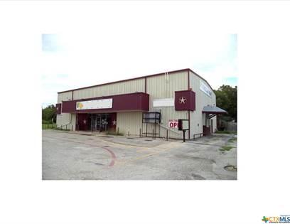 Commercial for rent in 736 E Kingsbury, Seguin, TX, 78155