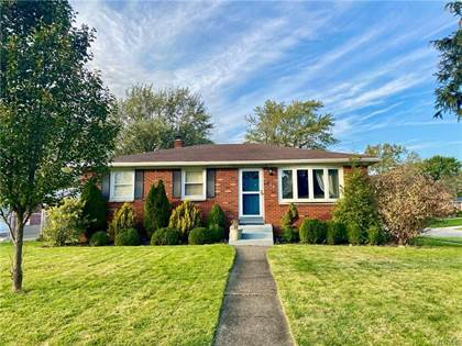 Residential Property for sale in 108 Willowcrest Dr, West Seneca, NY, 14224