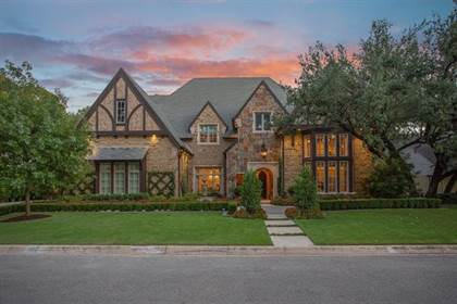 Residential for sale in 2925 Owenwood Drive, Fort Worth, TX, 76109