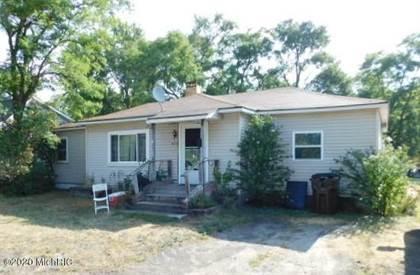 Residential for sale in 1605 Vine Street, Manistee, MI, 49660
