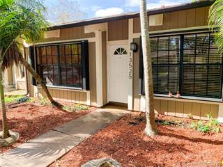 Townhouse for sale in 13525 SW 101st Ln, Miami, FL, 33186