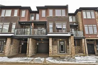 Townhouse for sale in 30 Times Square Boulevard 95, Hamilton, Ontario