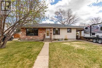 Single Family for sale in 1443 7 Avenue NE, Medicine Hat, Alberta, T1A6E3