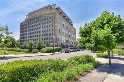 Condominium for sale in 5 FATHER DAVID BAUER Drive, Waterloo, Ontario, N2L 6M2