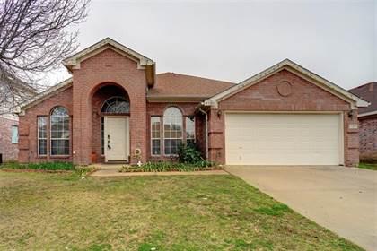 Residential for sale in 1120 Deer Valley Lane, Arlington, TX, 76001