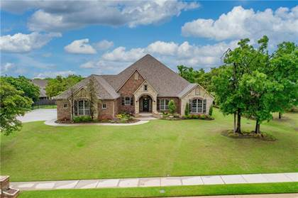 Residential for sale in 10300 Ashewood Drive, Oklahoma City, OK, 73151