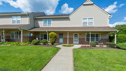 Residential Property for sale in 82 Sassafras Ct, North Brunswick, NJ, 08902
