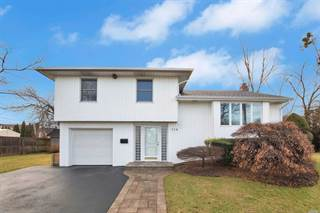 Single Family for sale in 114 Sutton Drive 114, Plainview, NY, 11803