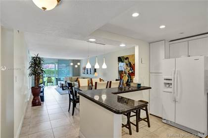 Residential Property for sale in 9410 N Hollybrook Lake Dr 104, Pembroke Pines, FL, 33025