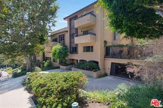Condo for sale in 6752 HILLPARK Drive 203, Los Angeles, CA, 90068