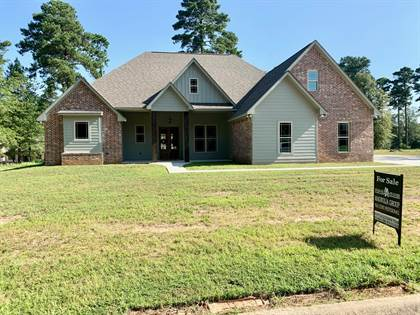 Residential for sale in 430 Country Club Dr, Magnolia, AR, 71753
