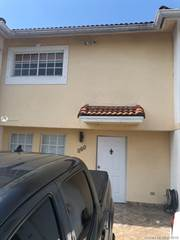 Townhouse for rent in 10840 NW 2nd St 303, Miami, FL, 33172