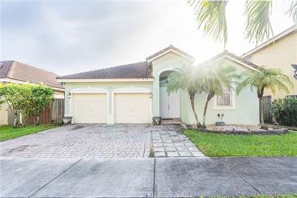 Residential Property for sale in 7965 SW 164th Pl, Miami, FL, 33193