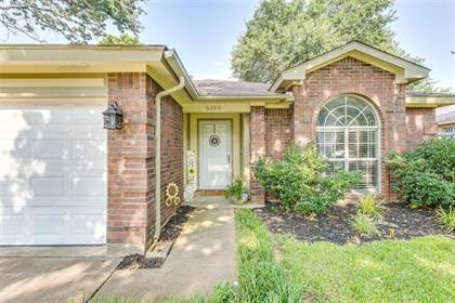 Residential for sale in 6306 Blaney Drive, Arlington, TX, 76001