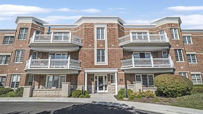 Residential Property for sale in 1875 Old Willow Road #132, Northfield, IL, 60093