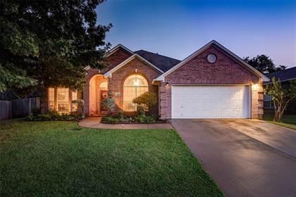 Residential Property for sale in 2304 Broken Bough Lane, Arlington, TX, 76001