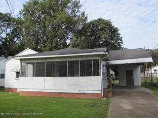 Single Family for sale in 605 E Circle Avenue, Clarksdale, MS, 38614