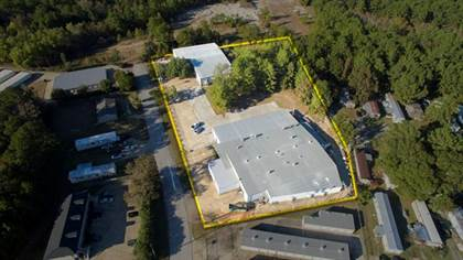 Commercial for sale in 1981 Quality Boulevard, Huntsville, TX, 77320