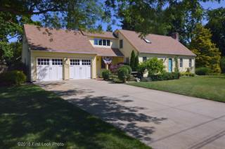 House for sale in 604 Algonquin Drive, Warwick, RI, 02888