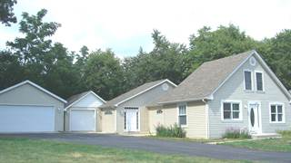 Single Family en venta en 2055 North 35th Road, Wedron, IL, 61350