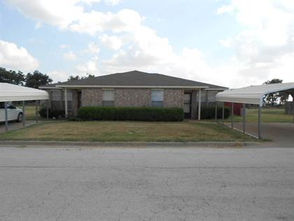 Multifamily for sale in 105-107 Bluebonnet Dr., Winters, TX, 79567