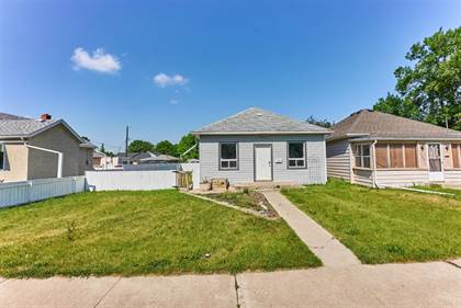 Residential Property for sale in 710 16 Street N, Lethbridge, Alberta, T1H 3B4