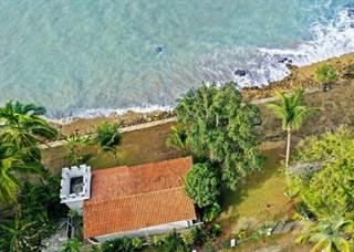 Propiedad residencial en venta en Beachfront Home for Sale in Rincon, Puerto Rico, Rincon, PR, 00677