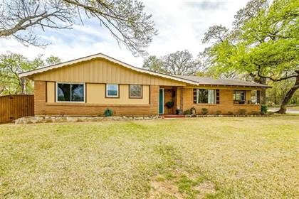 Residential for sale in 7300 Meadowbrook Drive, Fort Worth, TX, 76112