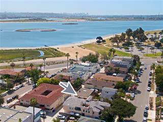 Townhouse for sale in 3867 Kendall St, San Diego, CA, 92109