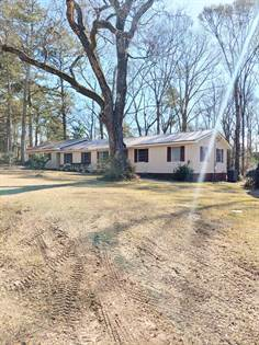Residential Property for sale in 1108 Avenue F ext, McComb, MS, 39648
