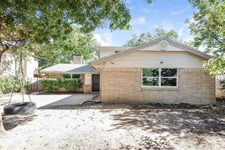 Photo of 2416 Summer Place Drive, Irving, TX