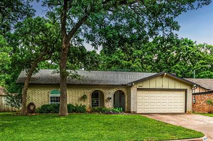 Residential Property for sale in 3918 Pyracantha Drive, Arlington, TX, 76017