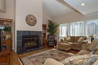 Condo for sale in 28 ROBERTS CIR, Basking Ridge, NJ, 07920