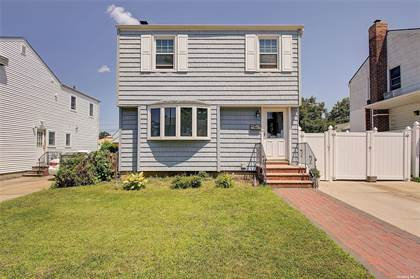 Residential Property for sale in 166-17 22 Avenue, Whitestone, NY, 11357