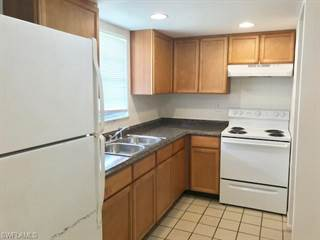 Townhouse for rent in 3670 Pearl ST, Fort Myers, FL, 33916