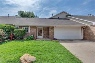Townhouse for sale in 909 Rambling Oaks Drive, Norman, OK, 73072