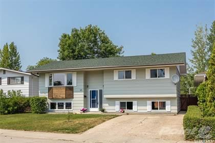 Residential Property for sale in 62 McDougall CRESCENT, Saskatoon, Saskatchewan, S7L 5C1