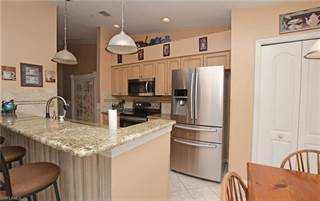 Condo for sale in 8059 Queen Palm LN 724, Fort Myers, FL, 33966