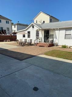 Residential Property for sale in 302 Hunter Avenue, Staten Island, NY, 10306