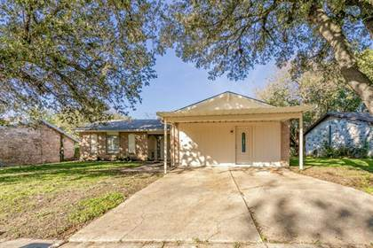 Residential Property for sale in 3702 Maxwell Court, Arlington, TX, 76015