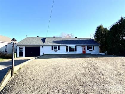 Residential Property for sale in 22 Garwin Street, Petawawa, Ontario, K8H7L4