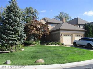 Condo for sale in 44 TURNBERRY Lane, Dearborn, MI, 48120